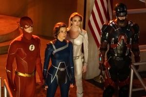 Heroes gathered (Photo: CW).